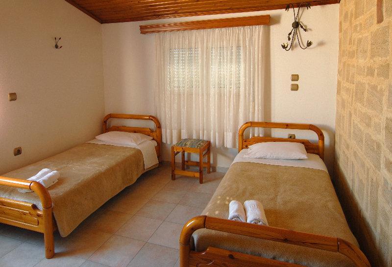 Theonia Apartment