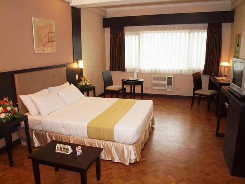 New Horizon Hotel Manila - Zimmer