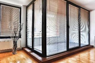 The Loft Apartments, Rue Du Poincon,53