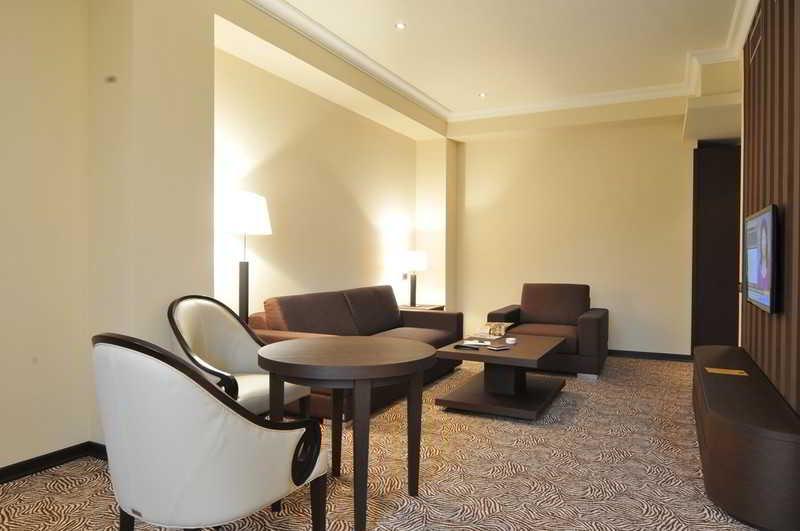 National Hotel - Zimmer