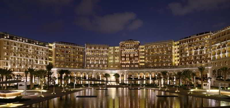 The Ritz-Carlton Abu Dhabi, Grand Canal - Generell