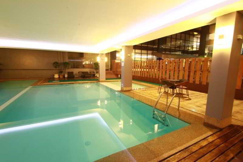 Dohera Hotel - Pool