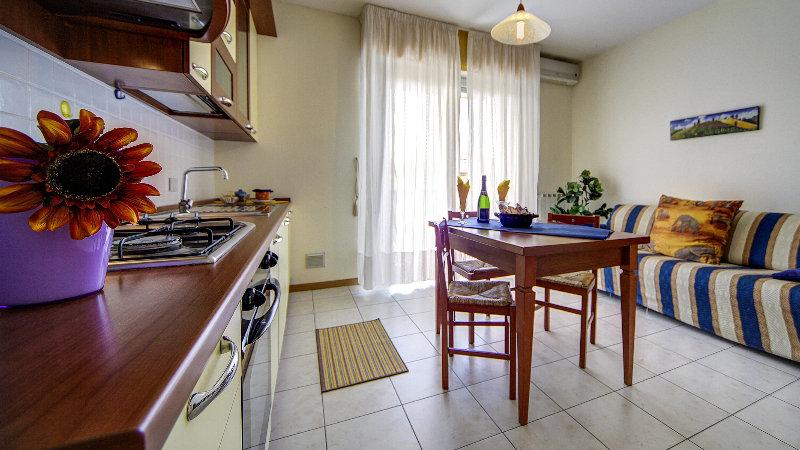 Aparthotel Le Corniole, Via Michelangelo Buonarroti,142
