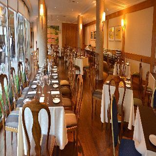 Director Vitacura - Restaurant