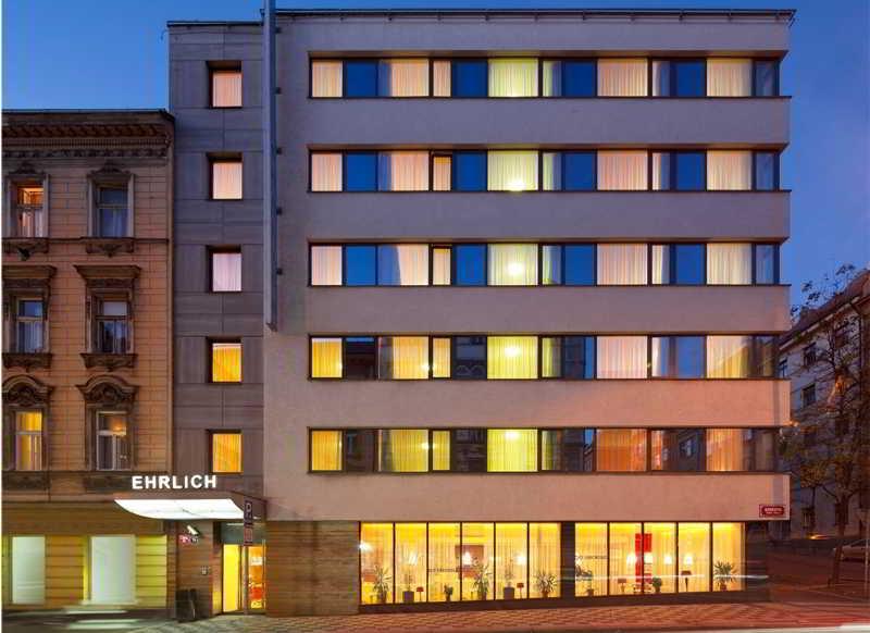 Ehrlich Hotel, Konevova,79
