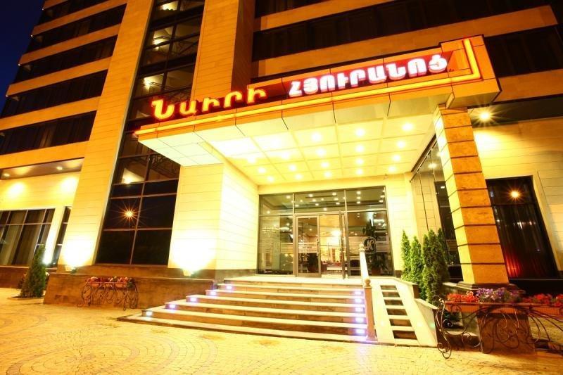 Nairi Hotel, 121/7 Armenakyan Str.,