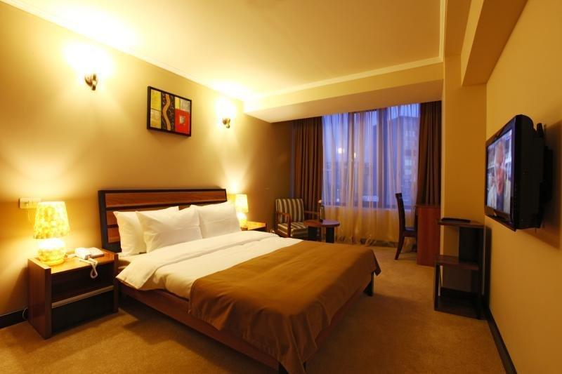 Nairi Hotel - Zimmer
