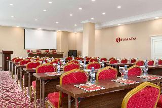Ramada by Wyndham Baku - Konferenz