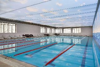 Ramada by Wyndham Baku - Pool