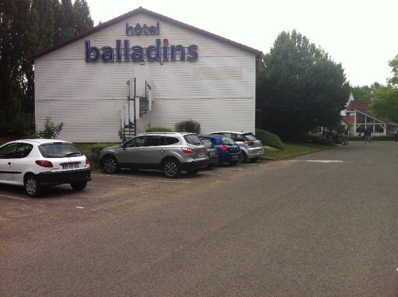 Trappes Balladins Hotel