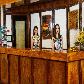 Fridays Boracay Resort - Diele