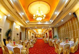 Sarrosa International Hotel and Residential Suites - Restaurant