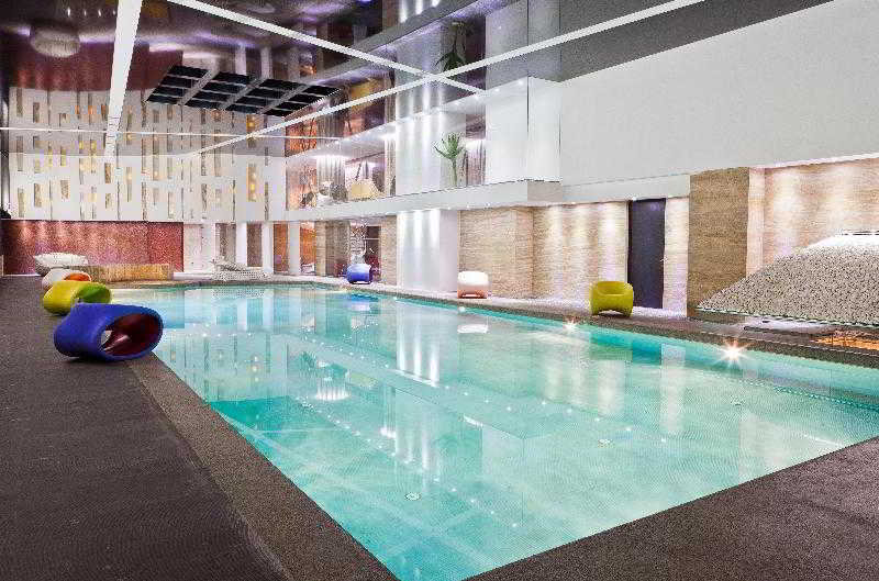 Ramada Hotel & Suites Baku - Pool