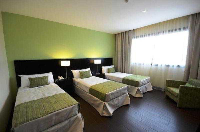 Grand Crucero Hotel - Zimmer