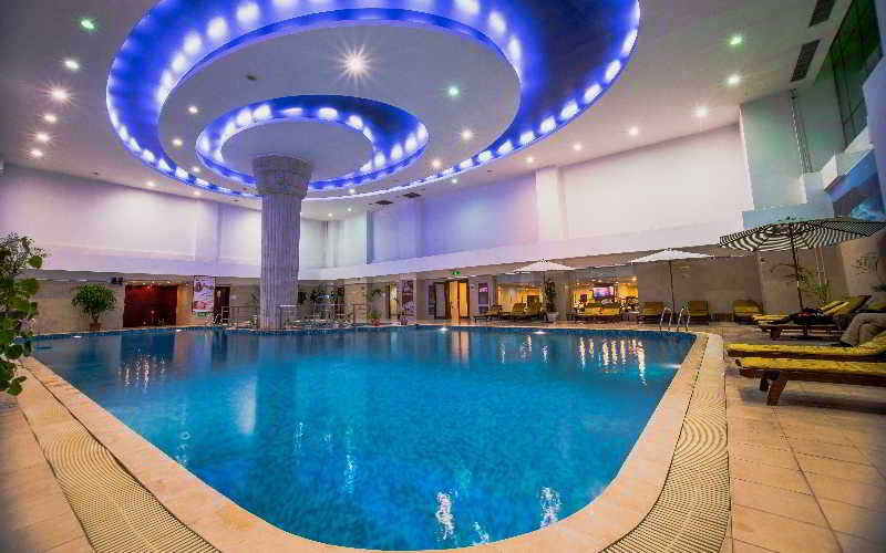 Beijing Palace Soluxe Hotel Astana - Pool