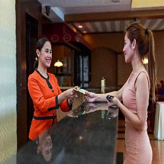The Orchard Cebu Hotel - Diele