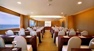 Aston Makassar Hotel…, Jl. Sultan Hassanudin No.10,10