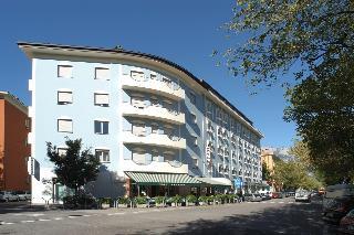 Everest Hotel, Corso Degli Alpini,14