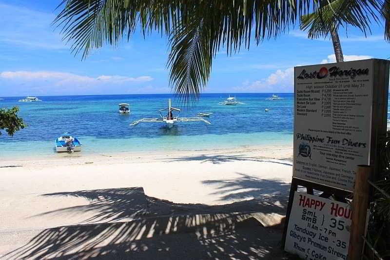 Lost Horizon Beach Dive Resort - Strand