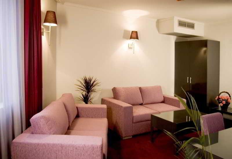 Business Hotel Elate Plaza - Zimmer