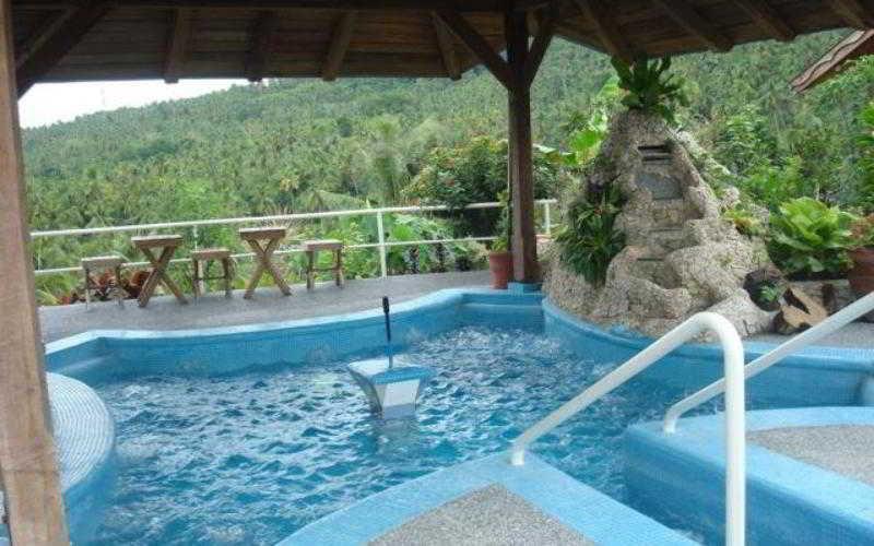 Hof Gorei Beach Resort - Pool