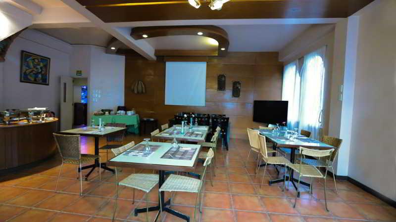 Hotel La Corona De Lipa - Restaurant
