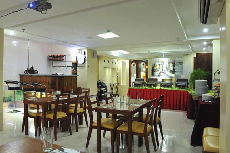 Wellcome Hotel - Restaurant