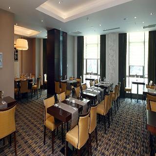 Triumph City Hotel & Residences - Restaurant