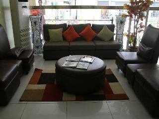 Sampaguita Suites Plaza Garcia - Diele