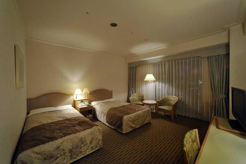 Hotel Springs Makuhari, 1-11 Hibino, Mihama-ku, Chiba-shi,…