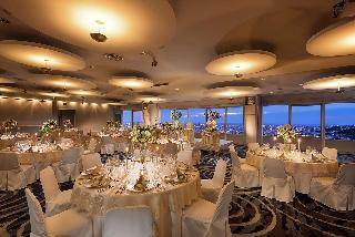 那霸格兰城堡日航酒店 image
