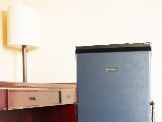 Hotel Sunlife, 3-3-6 Utsubohon-machi, Nishi-ku,…