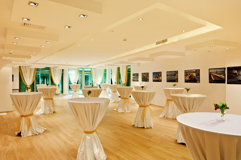 Earth and People Hotel & SPA - Konferenz