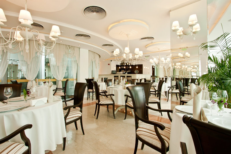Earth and People Hotel & SPA - Restaurant