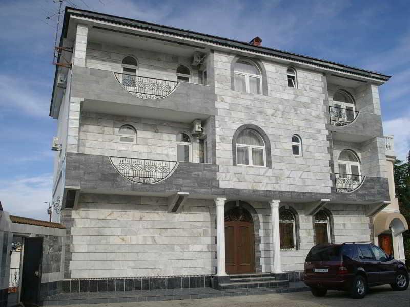 U Bocharova Ruchja Hotel, Inzhirnaya Street,8/1