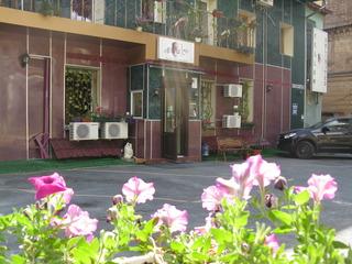 Yellow Unlimited Hotel, Rimarskaya Str,24г