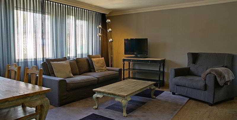 Hotel De Naaldhof, Docfalaan 22,