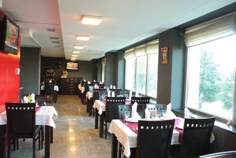 Royal Park Hotel - Restaurant