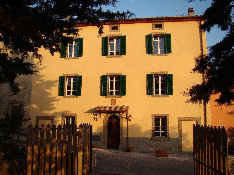 Borgo Tepolini, Strada Dei Tepolini ,16