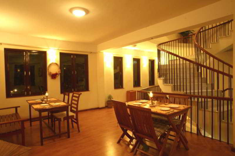 Royal Astoria - Restaurant