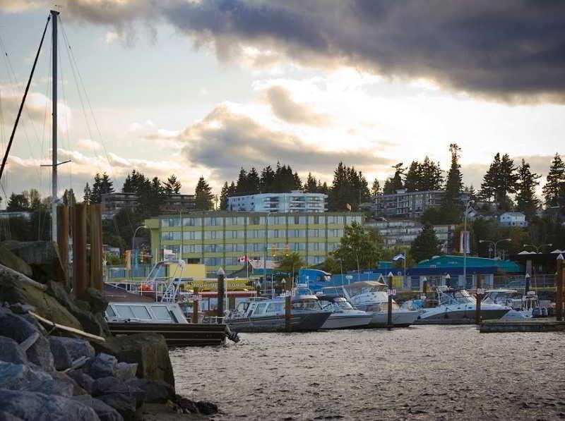 Coast Discovery Inn & Marina