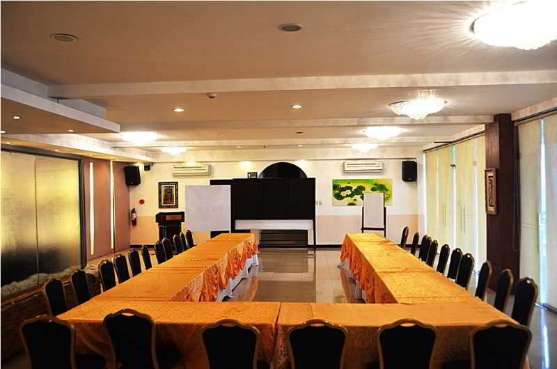 The Lake Hotel Tagaytay - Konferenz