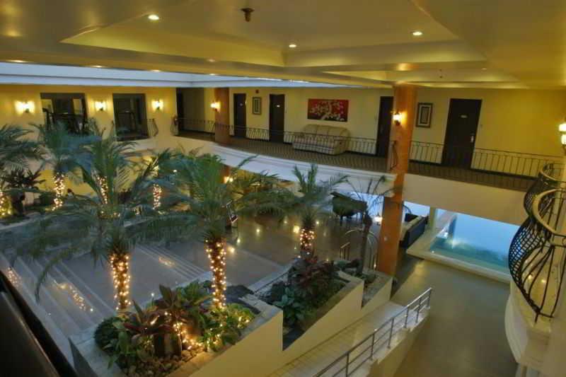 The Lake Hotel Tagaytay - Diele