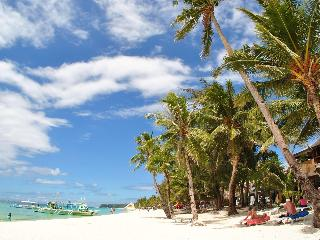 Surfside Boracay Resort & Spa - Strand