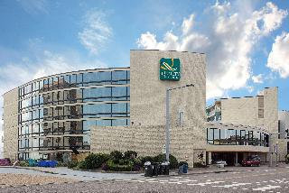 Quality Inn & Suites Oceanfront