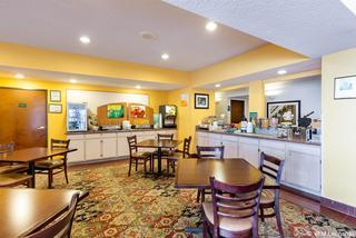 Clarion Inn & Suites West