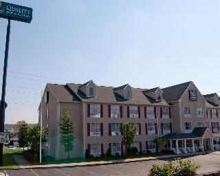 Quality Inn & Suites, 2463 East Sharon Road,