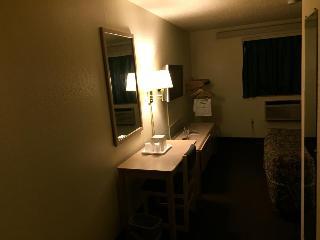 Rodeway Inn, 2702 N. Monroe Street,
