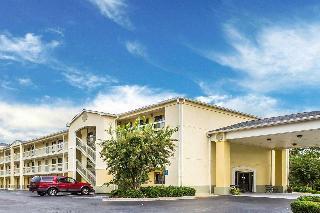 Quality Inn & Suites, Claussen Road,1052