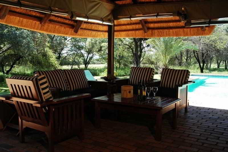 Mziki Safari Lodge - Terrasse